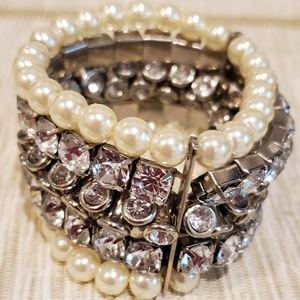 Crystal and pearl look Bracelet